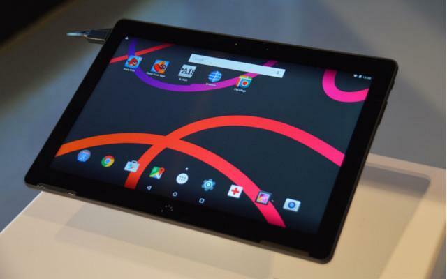BQ M10 – Tablet se transforma em computador de mesa